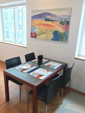 Sturdy dining table for 4