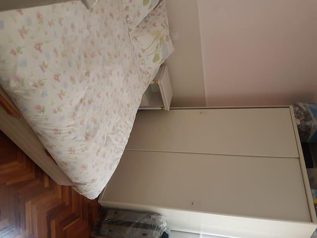 habitación privada cerca de Madrid y aeropuerto - Alcobendas - Apartamento