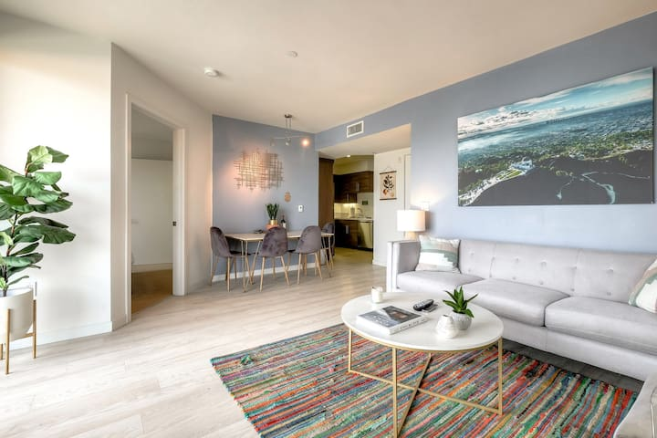 Urban Flat| New Santa Monica Suite| ECO Cleaned