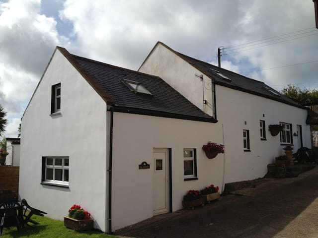 Hayloft,Spoutwells Holiday Cottages - Stranraer - House