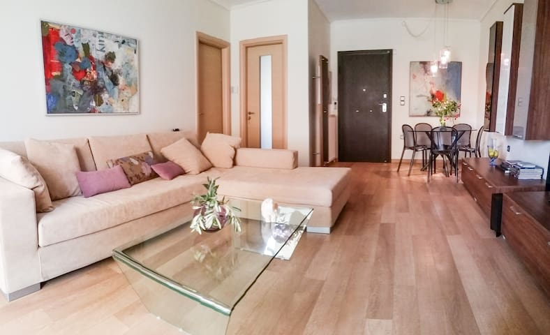 5th Floor Cozy Flat with WI-FI - Nea Ionia - Apartamento