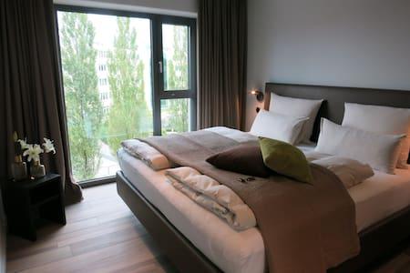 Grande Suite / Wohn-und 3-Schlafräume - Aschheim