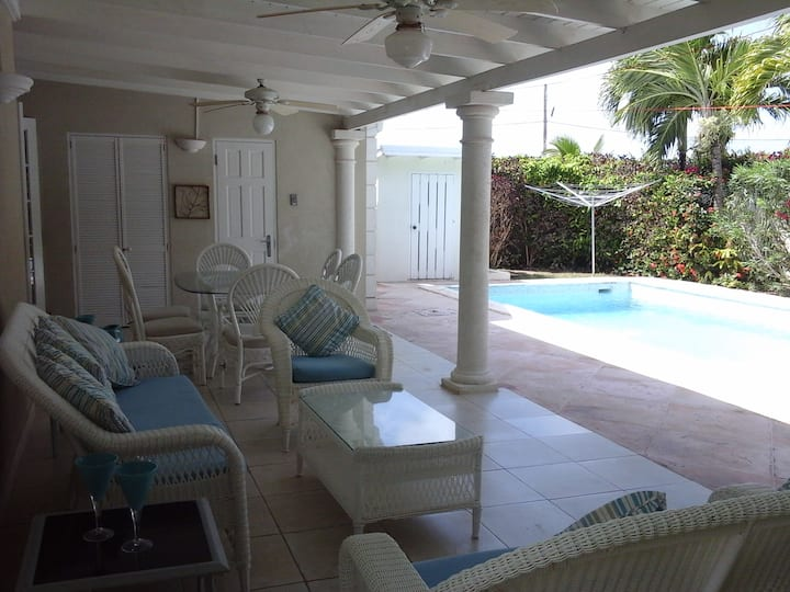 Take Five Villa with Private Pool and Patio