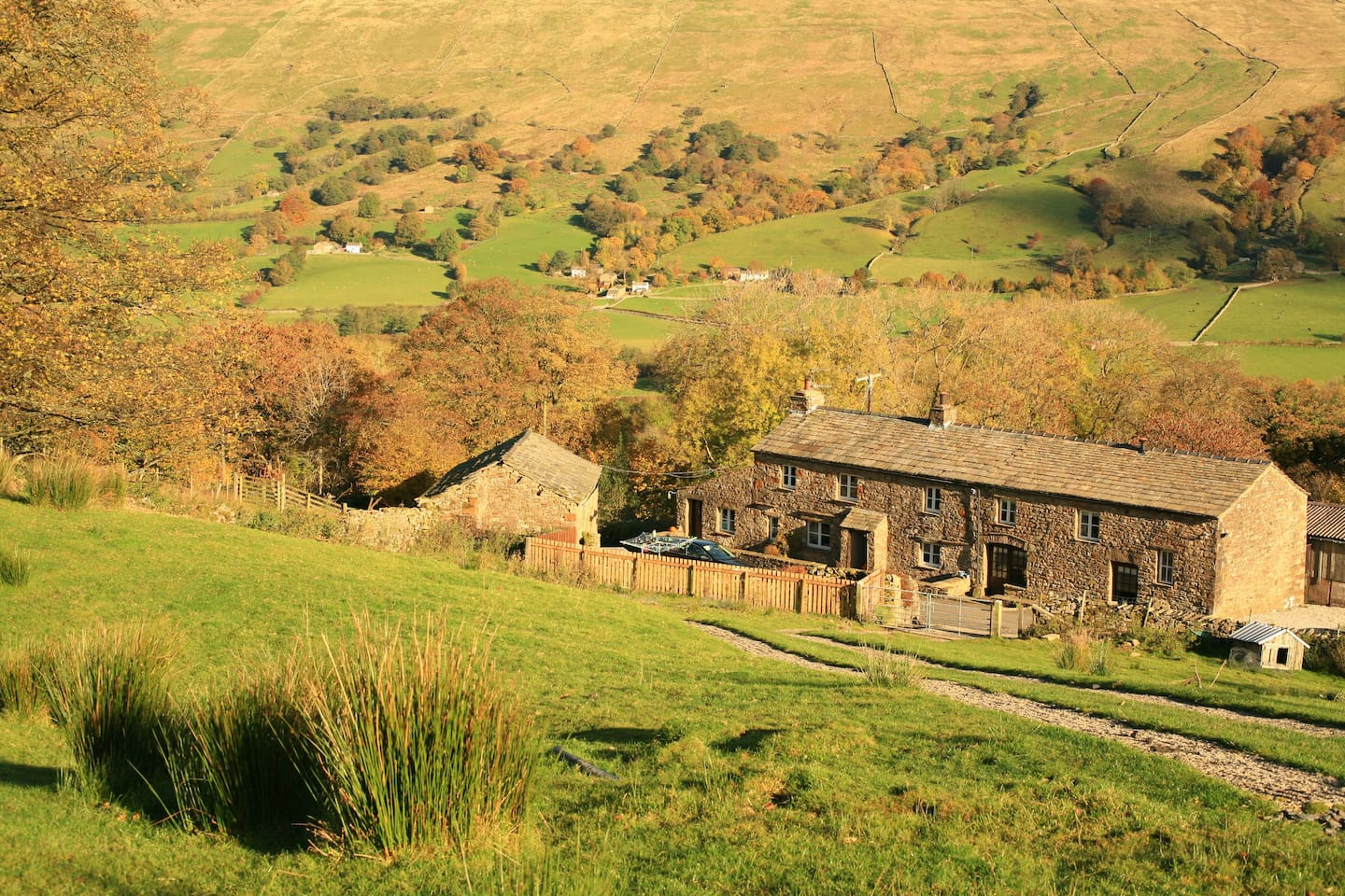 Stunning views & only 0.7 of a mile from Dent village in The Yorkshire Dales National Park
