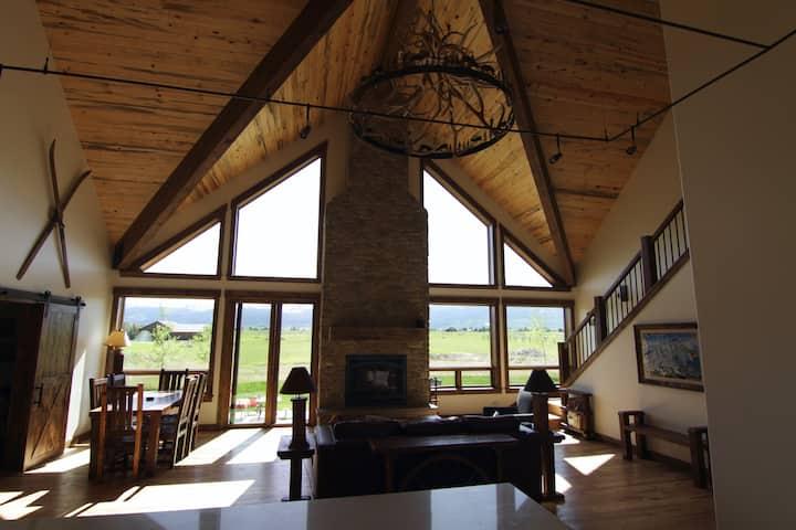 Spacious and spectacular Teton cabin