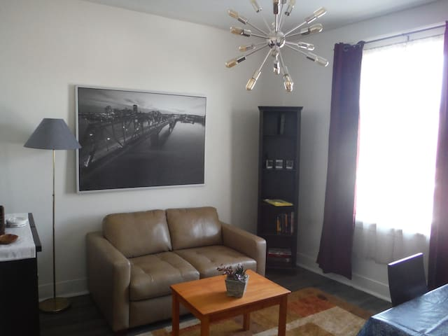 Private apartment in the heart of Chinatown