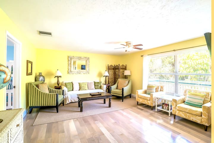 Eight Steps to the Sand path of the #1 Beach in the Country! - Old Man and the Sea Inn 2BR (D)