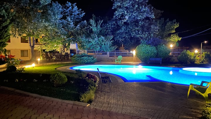 Swimming pool, BBQ, 150m from the beach