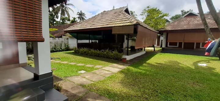 MY SWEET COCHIN RIVERSIDE COTTAGES (AMAZING VIEW)