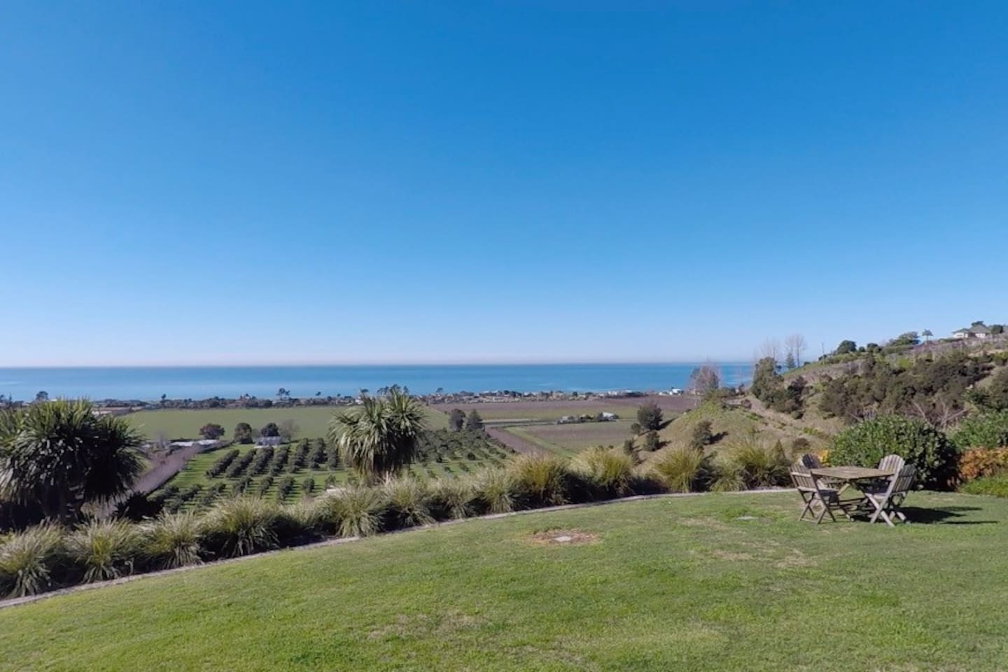 So happy to be sharing our piece of paradise ... Views to Mahia and to Cape Kidnappers, Ever changing Views over looking  Avocado, fruit and cropping orchards ... Fascinating watching cruise ships , Wildlife , Nature.