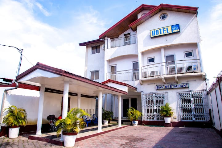 LOGEMENT HOTEL  ECONOMIQUE AU CONGO