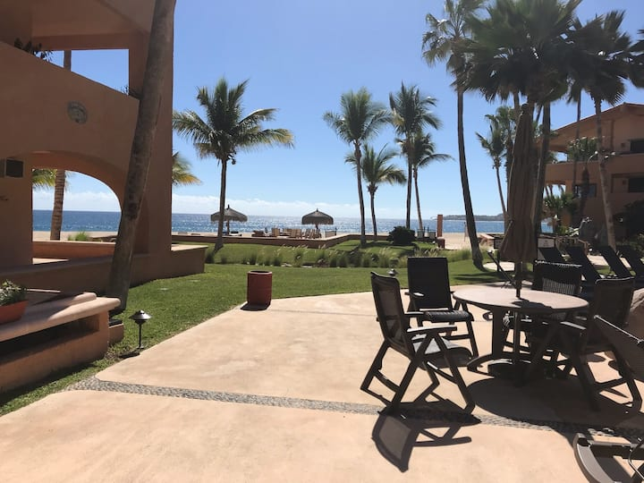 OCEAN FRONT ground level studio, view included!