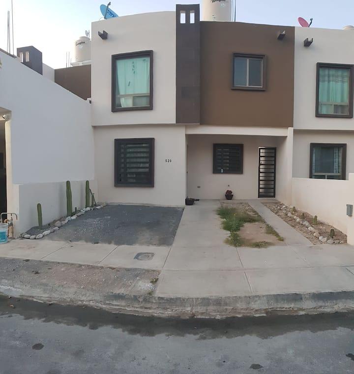 Comoda Habitación individual en casa compartida