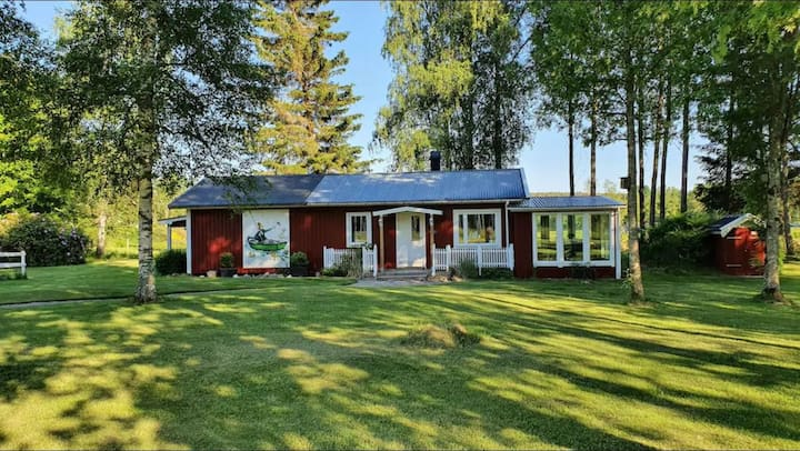 Cosy cottage by lake in Valbo-ryr in Dalsland