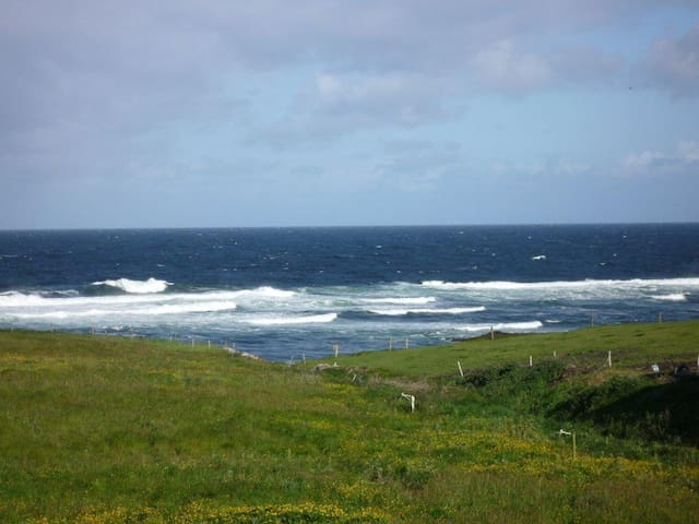 Cliffside Double Room Ensuite on Wild Atlantic Way - Miltown Malbay - Hus