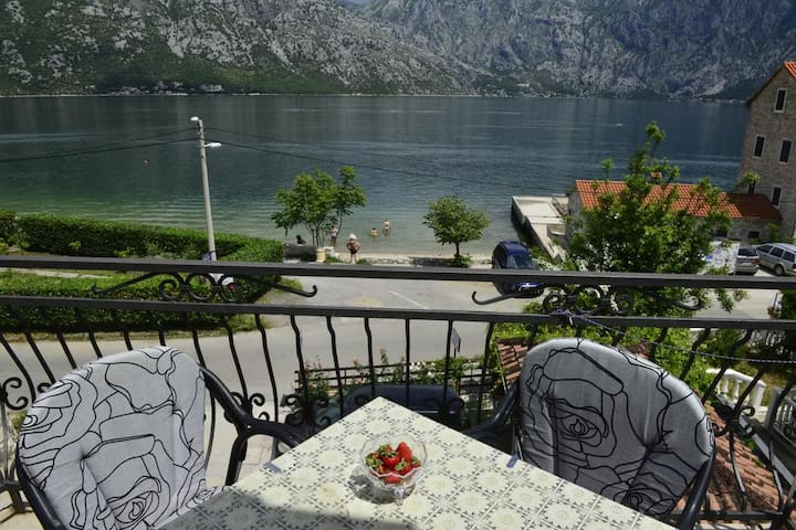 Becovic Sea View Confort Room for 3 people