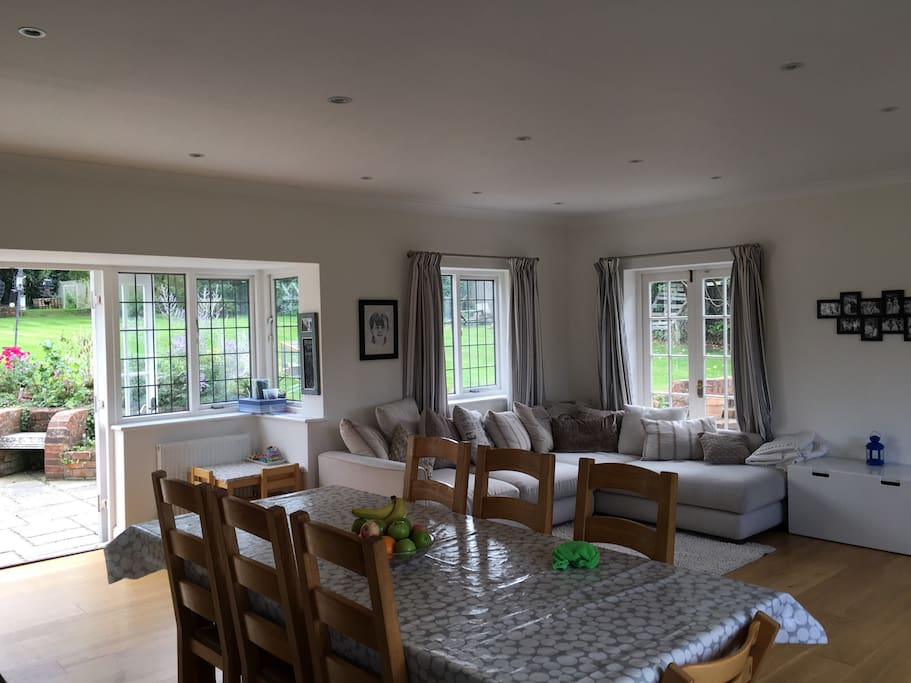 700sqft Eat in kitchen opens to garden & large oak dining room table extends to accommodate 12 people comfortably