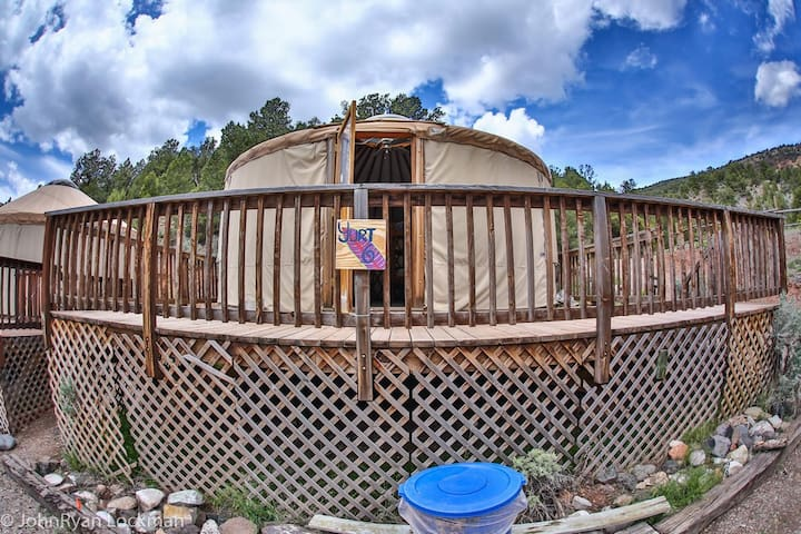 Yurt in Rockies on Colorado River at State Bridge - Bond - Yurt