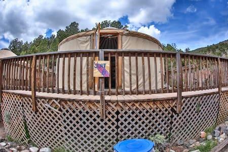 Yurt in Rockies on Colorado River at State Bridge - Bond - Юрта