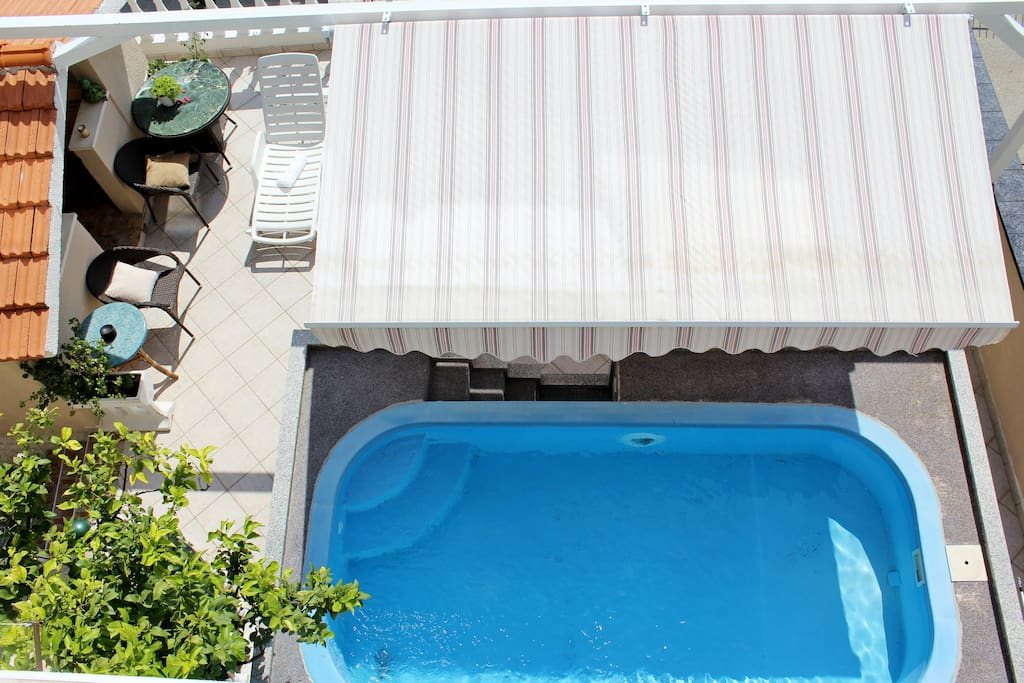 outdoor space, swimming pool