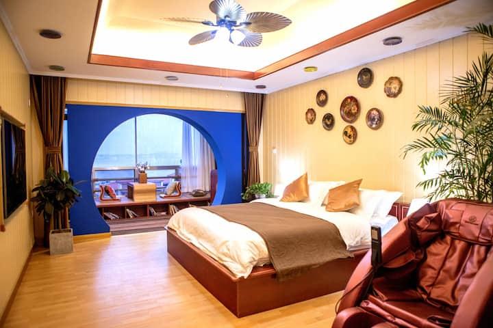 空调开放「三千民宿」一间坐落在半山上的海景房