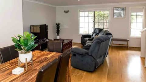 Spacious,quiet& affordable3x2 house in North Perth