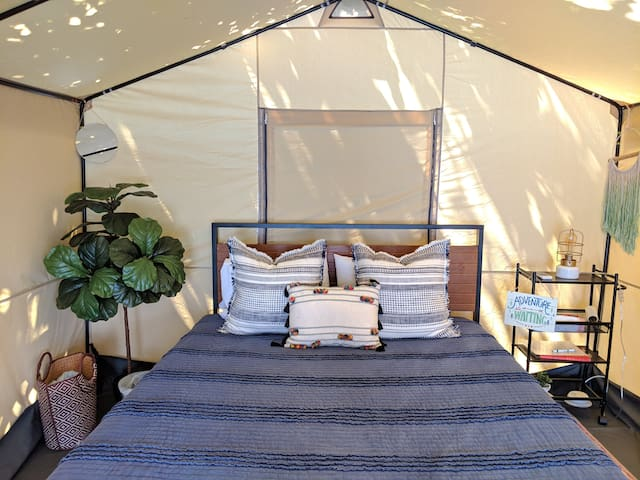 (#1) *GLAMPING EQUALS HAPPINESS!* (w/Heat & AC)