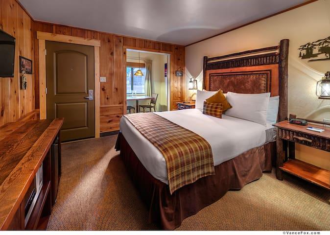 Cozy Studio Cabin for 2 - Tahoe Vista - Natuur/eco-lodge