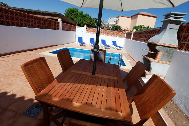 Villa Paris a 100 mts del mar. - Corralejo - House
