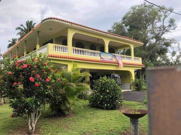 """New Horizon Manuel's Guest House *La Familiar"""""""