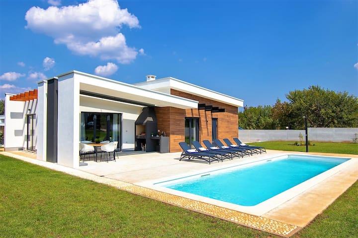 Villa Sama