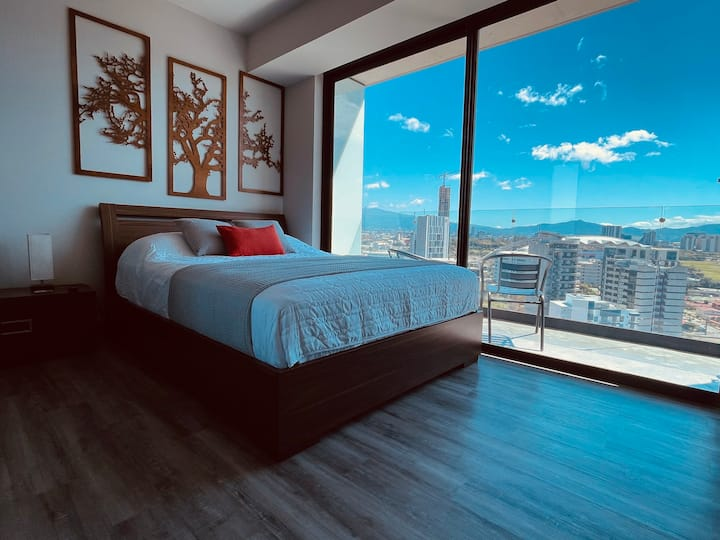Studio Apt 20th Floor A/C 24x7 Security/Concierge