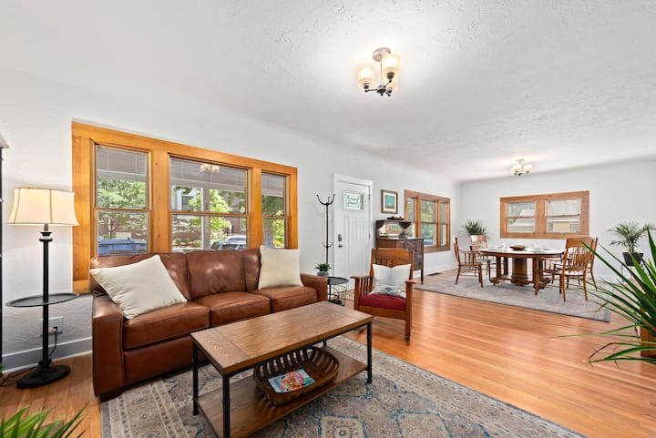 Steps from downtown Littleton, lightrail & parks