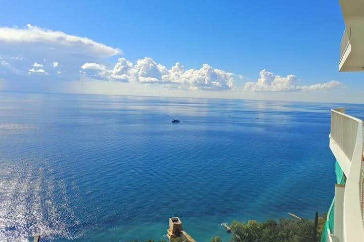 Аппартаменты ЖК Актер Гэлакси с видом на море