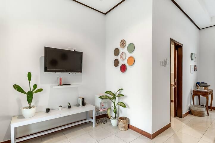 Modern and Clean Room Close to Beach @ Kuta Bali