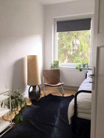 Neue und minimalistische Unterkunft in Linden