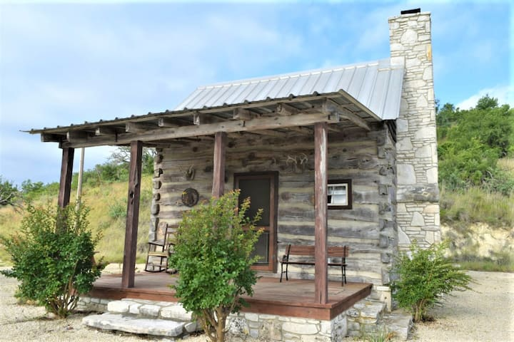 Maner Log Cabin