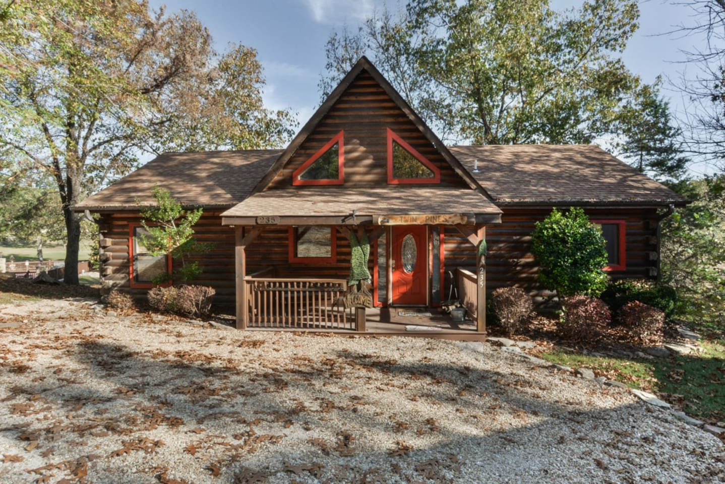 Welcome To Twin Pines Cabin