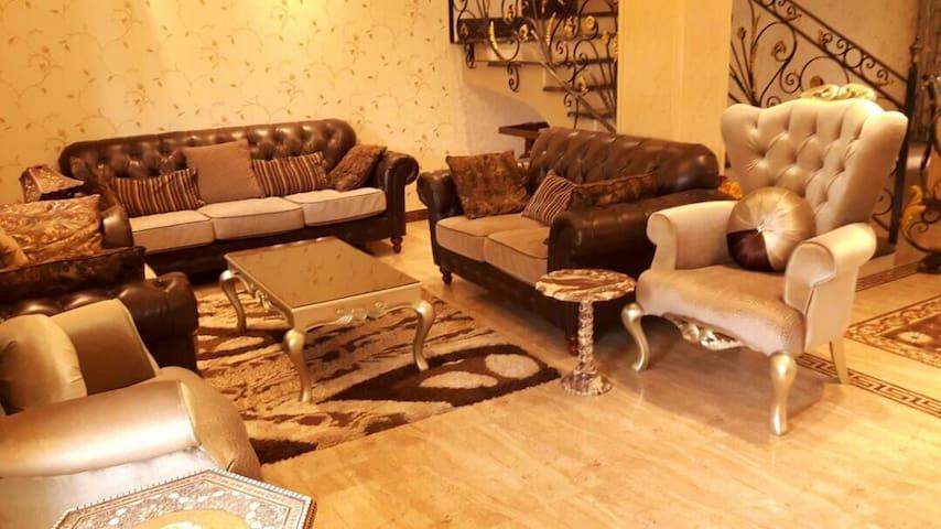 Luxurious Villa in El rehab city.