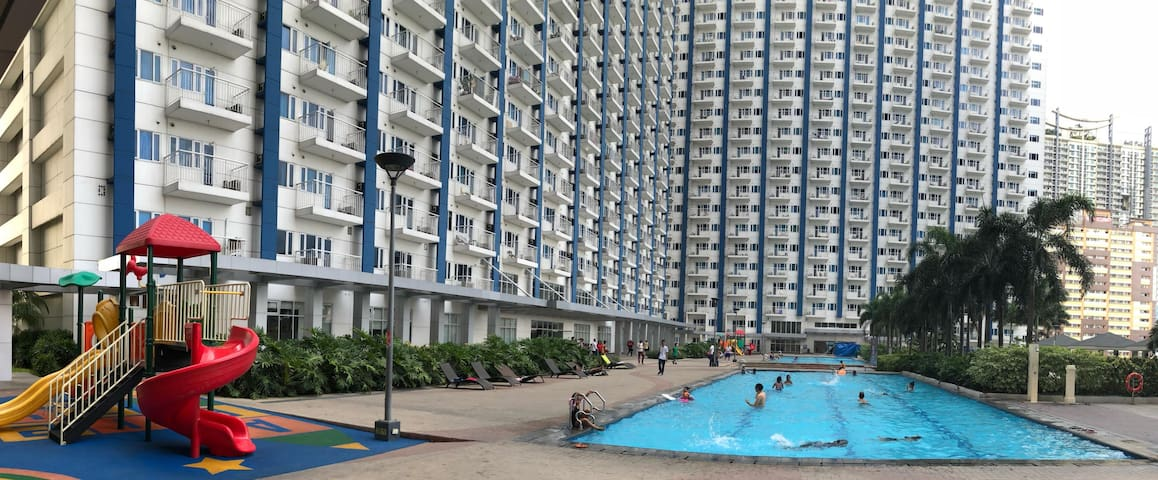 Entire 1 BR condo in SMDC Light Residences