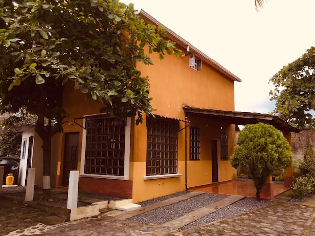 Apartamentos Livana 1