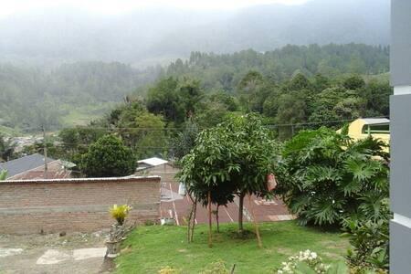 Villa Annisa (syariah)