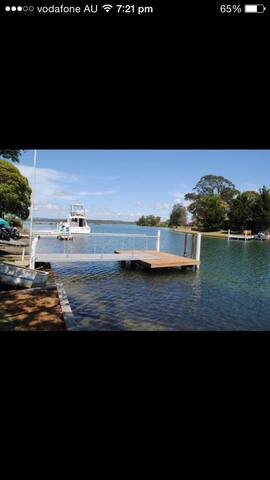 Waterfront house at Tuncurry - Tuncurry - House