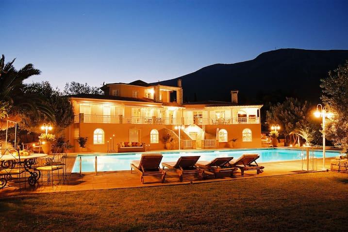 Majestic Villa near Athens Airport