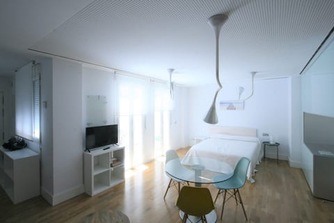 Centric Loft with autochecking,terrace and parking