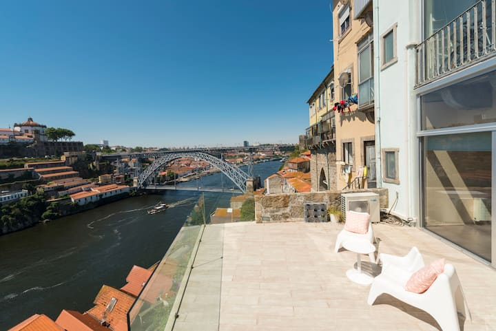 Miradouro - TownHouse with a breathtaking VIEW