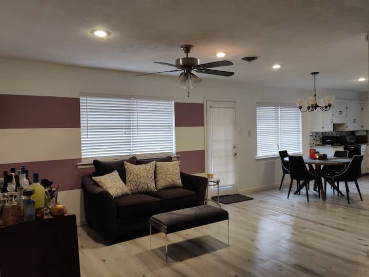 Newly Renovated Home 15 min from Cowboys Stadium