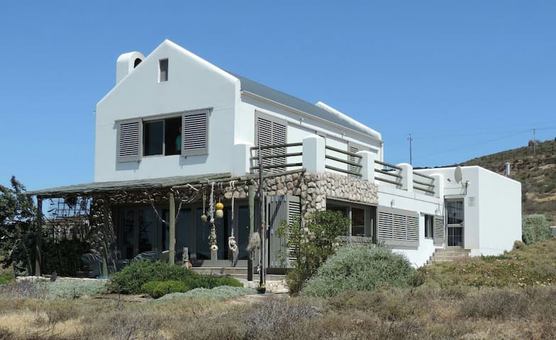 Beachfront house with amazing views - St Helena Bay - Huis