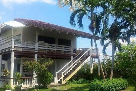 Beach house for rent - ตะพง - Haus