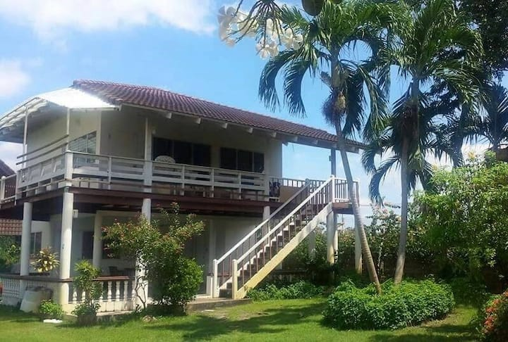 Cushy friendly villa rayong beach